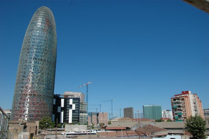 barcelona - The Torre Agbar, and the Poblenou quarter...