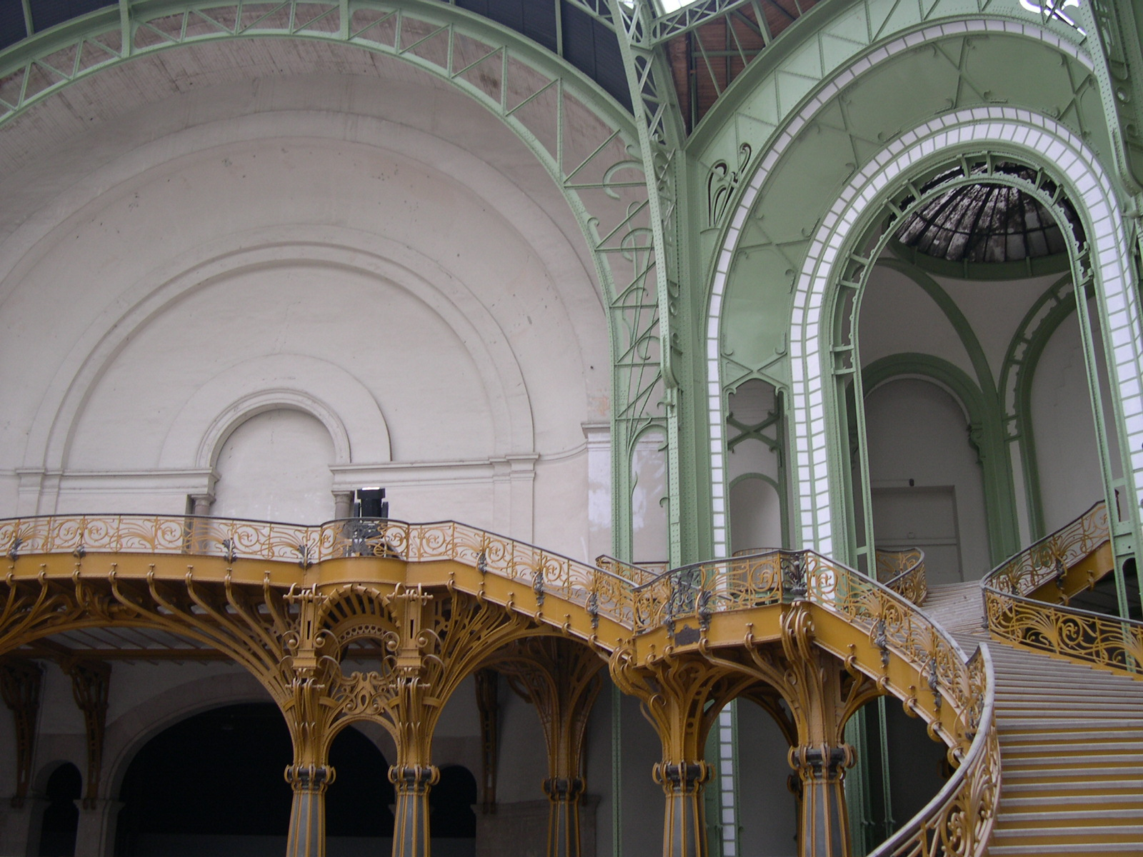 grand palais paris september 2005 l 39 escalier monumental du grand palais. Black Bedroom Furniture Sets. Home Design Ideas