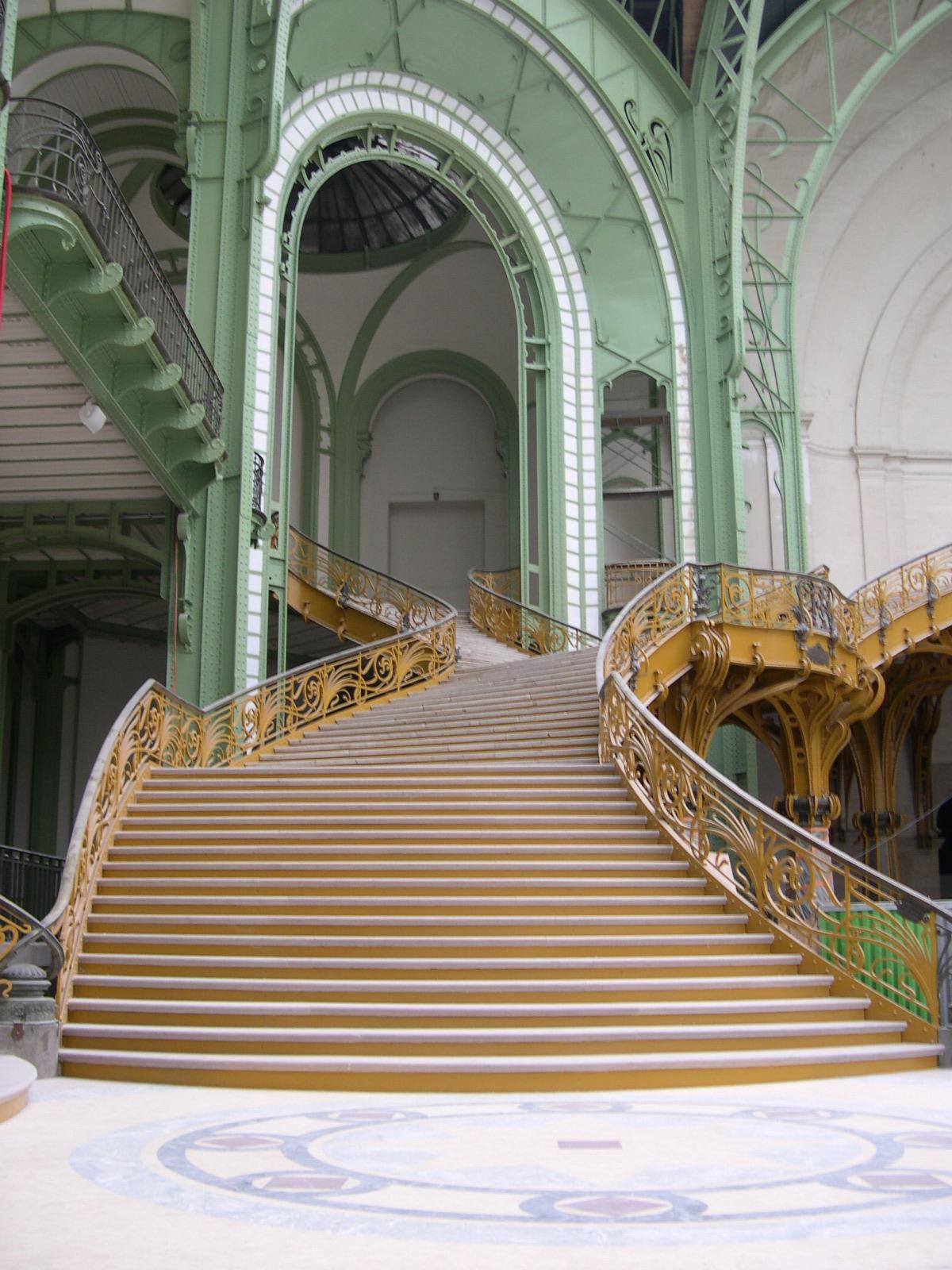 Grand Palais, Paris, September 2005 - Un détail de l\'escalier du ...